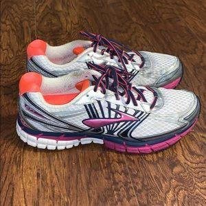 Women's Brooks GTS 14 Running Shoes Sz 11